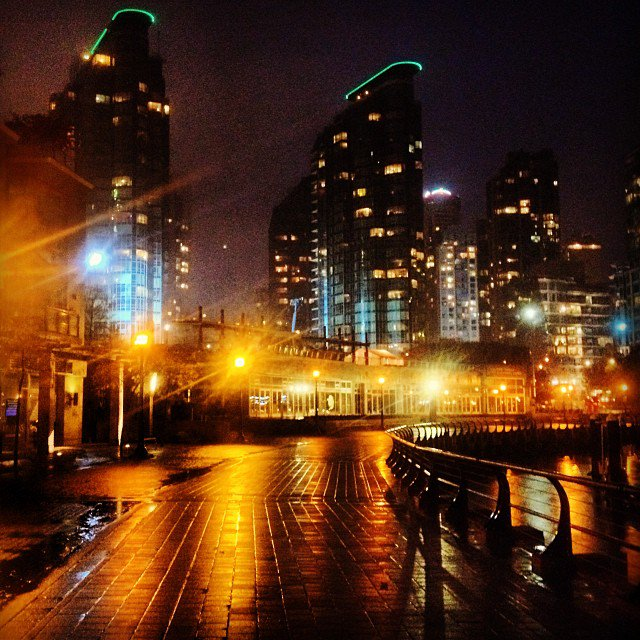 rainy night in coal harbourvancouver coalharbour night